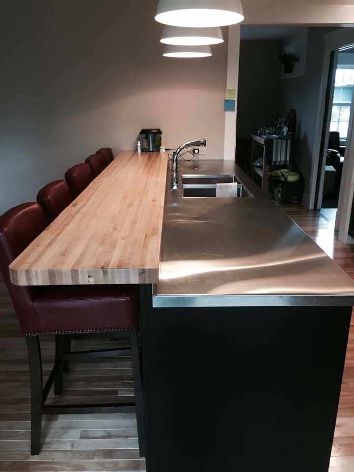 stainless kitchen and bar top
